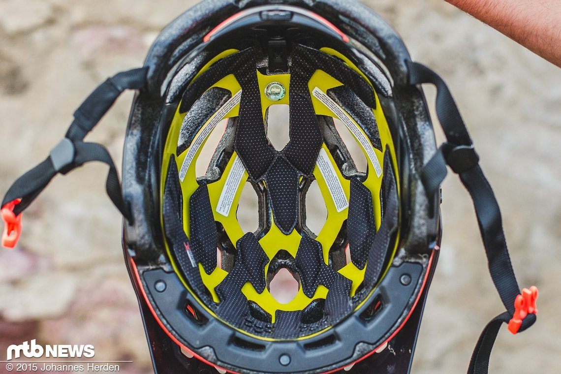 Blick in den Helm: Das MIPS-System ist für einen kleinen Aufpreis mit integriert