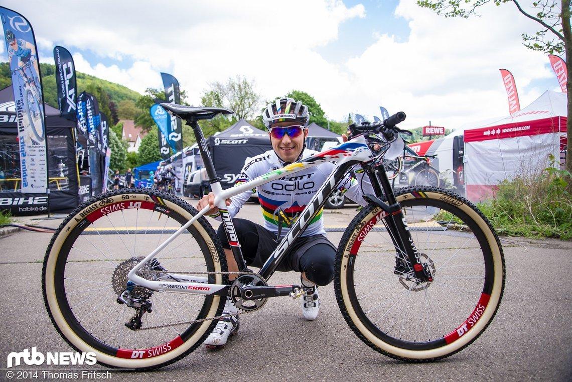 Nino Schurter mit seinem Scott Scale 700.