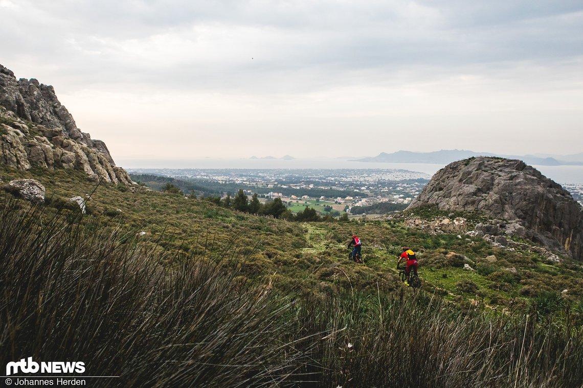 Nach der Felsendurchfahrt öffnet sich der Blick auf Kos-Stadt