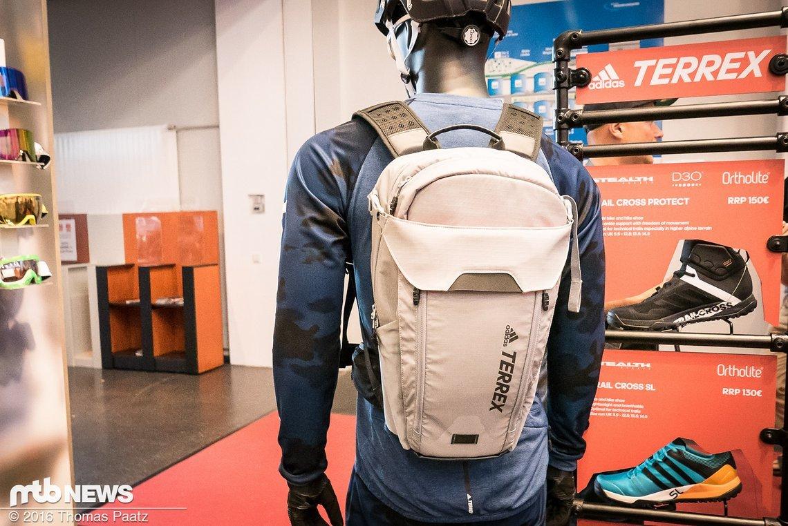 Adidas Terrex Trail Cross Rucksack von hinten