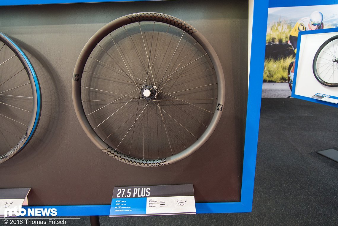 Der Laufradsatz für Plusbikes soll nicht durch minimales Gewicht und hohe Steifigkeit überzeugen