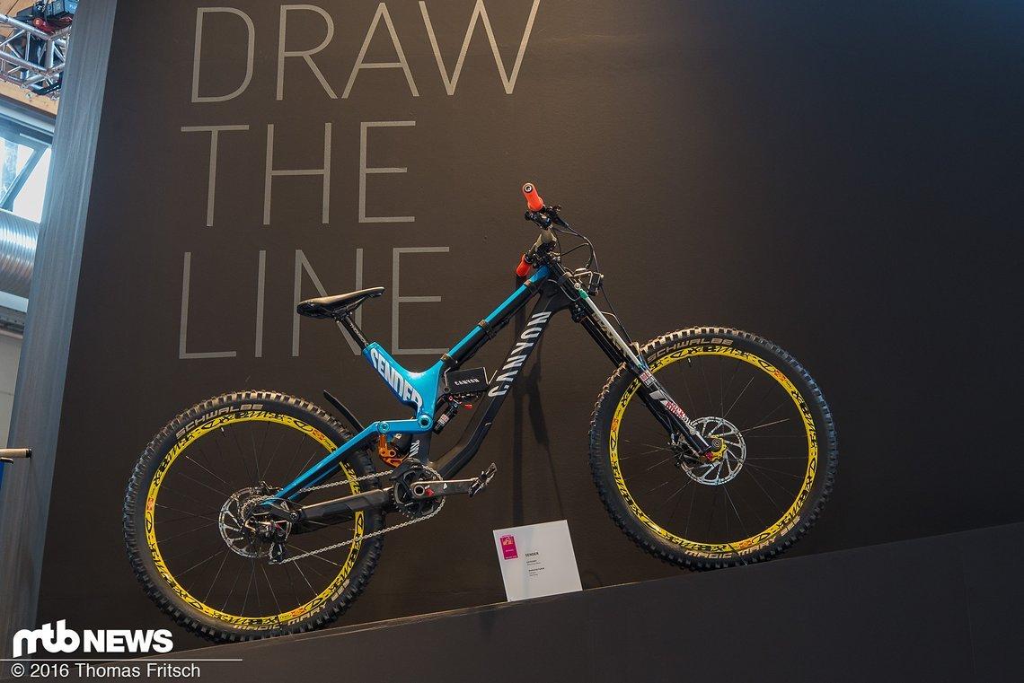 Das Bike von Fabian Barel besitzt eine Mexxbox an der Dämpferaufnahme, um Messwerte zu sammeln
