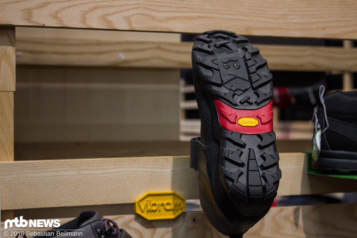 Wasserdicht, winddicht und atmungsaktiv soll der Schuh sein
