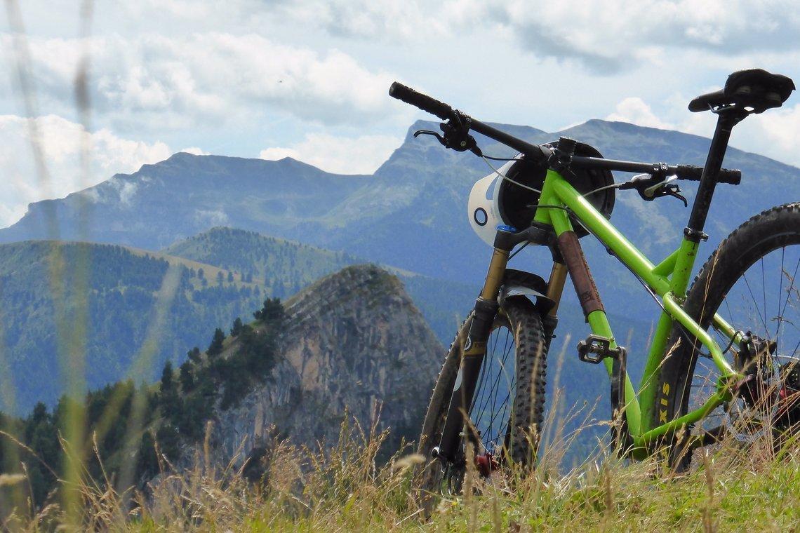 Stahlhardtail statt Fully, 2 Soulcycles stellte mir freundlicherweise ein Quarterhorse als Testrad zur Verfügung. Es erfüllte in jeder Hinsicht die Erwartungen.