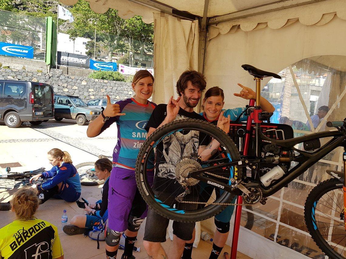 Das erste Mal durften wir unseren eigenen Mechaniker mitnehmen und wir haben die Chance gepackt, unseren guten Freund Pascal dafür einzuspannen! Gute Arbeit mein Freund, DANKE!!