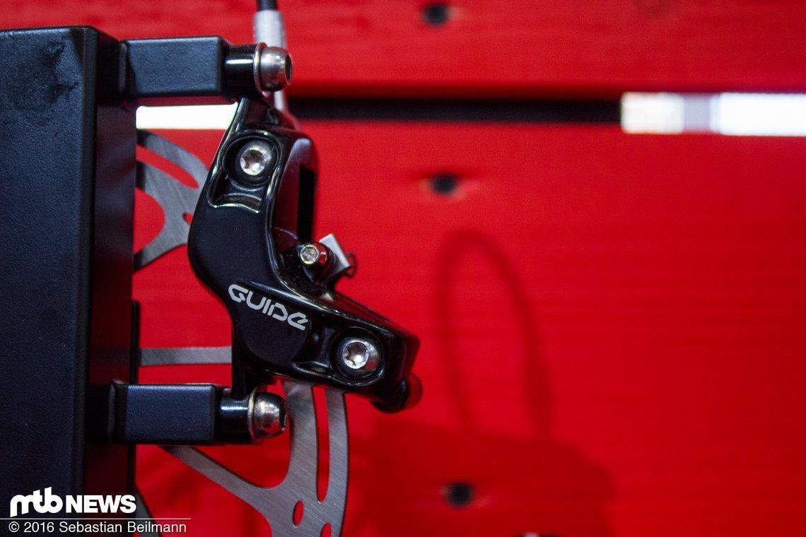 Der S4 Bremssattel der zuvor nur an der Guide Ultimate verbaut war, kommt 2017 an jeder Guide zum Einsatz