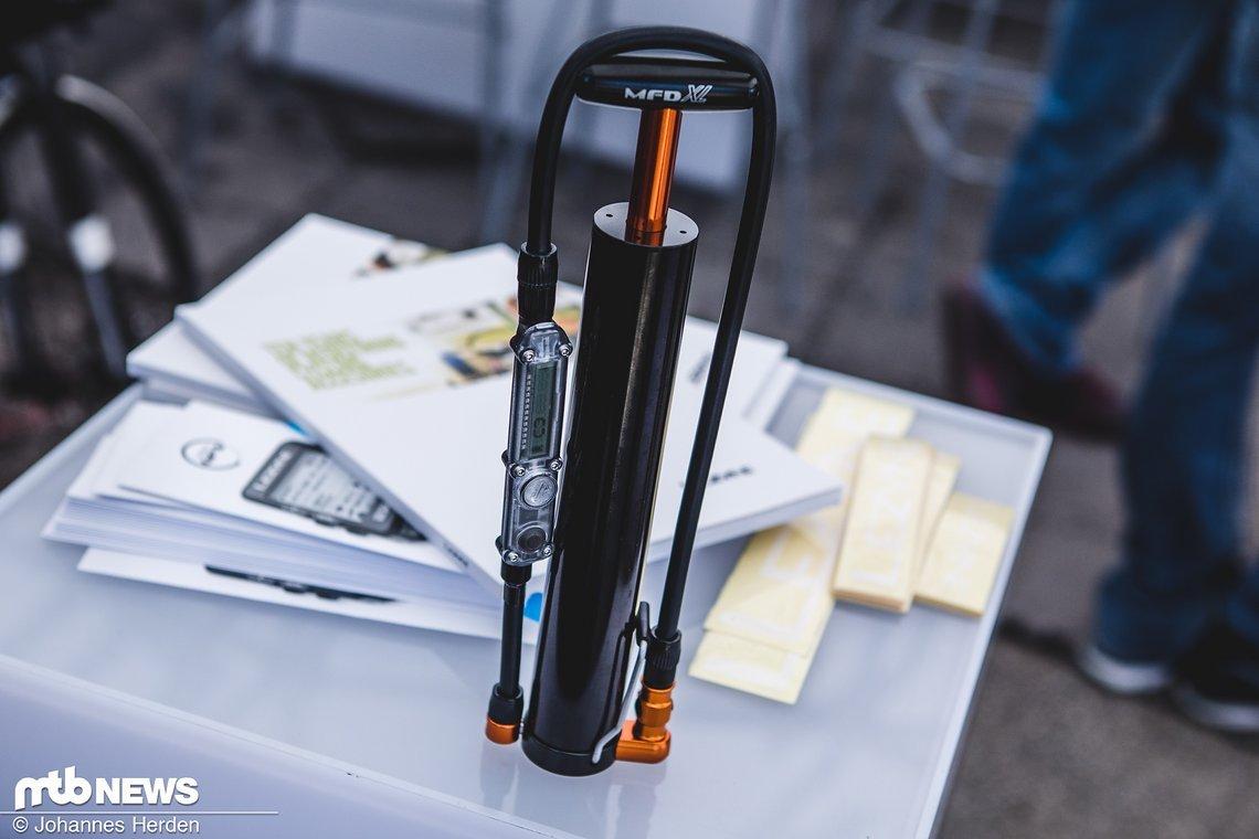 Ein Großteil der Minipumpen von Lezyne ist jetzt optional mit digitalem Manometer erhältlich