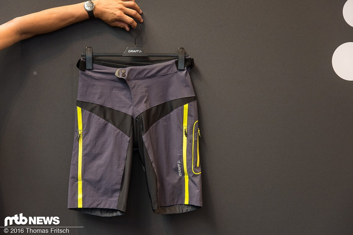 Die Hose soll perfekt für sportliche Tourenfahrer sein.