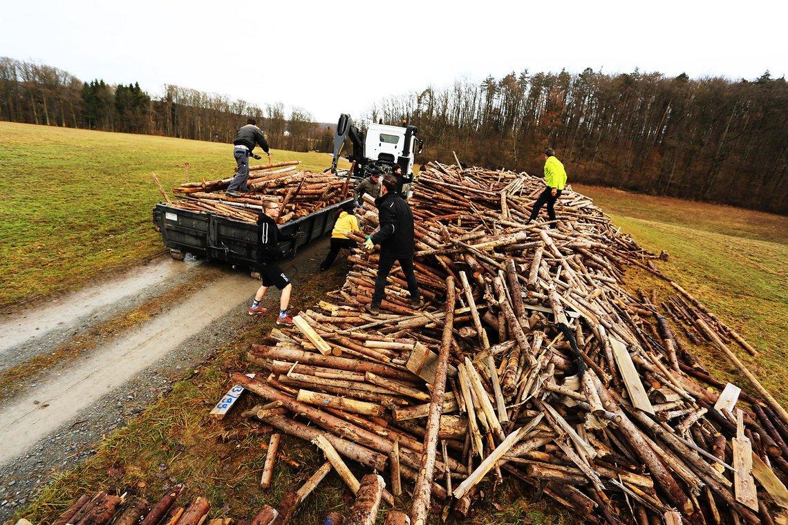 Baumaterial satt: Die Holzspende der Gemeinde Beilstein