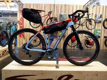Bikepacking geht natürlich auch in 29, das Salsa Cutthroad.