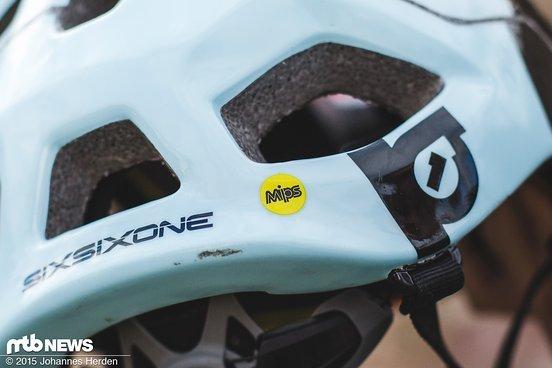 Der Helm ist mit und ohne MIPS erhältlich