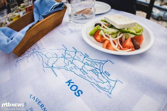 Es gibt griechischen Salat, Oktopus, Garnelen und mehr...