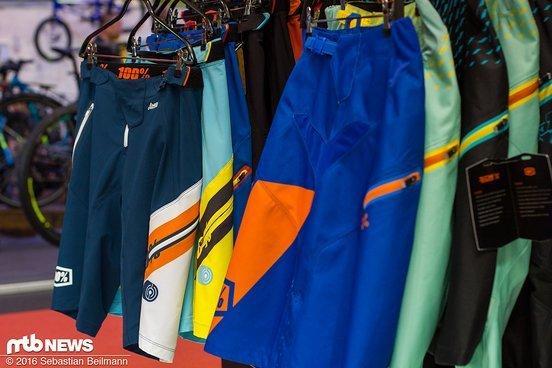 ...passend zu den Hosen. Viele Farbkombinationen können sinnvoll untereinander kombiniert werden