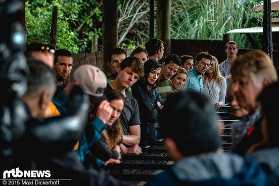 Beeindruckende Führung durch das Māori-Dorf.