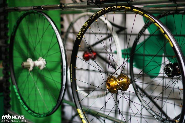 Reverse bietet inzwischen eine breite Kollektion Laufräder an