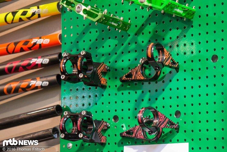 Directmount-Vorbau in den neuen Farben, passend zu Fox-Fahrwerken.