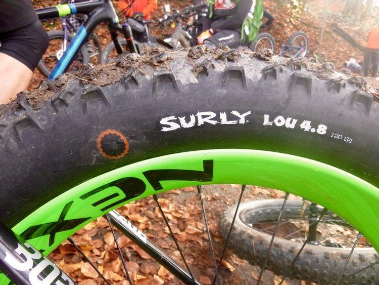 Je breiter der Reifen umso besser die Chance Samen über die maximal ermittelte Strecke aus der Studie zu transportieren.