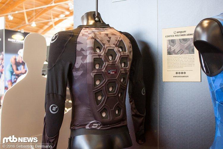 Der Cortex Polymer Armor kommt zusätzlich zum Rückenprotektor
