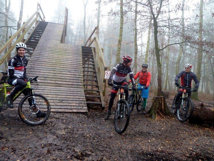 Startturm Bikepark Aachen am Dreiländereck.